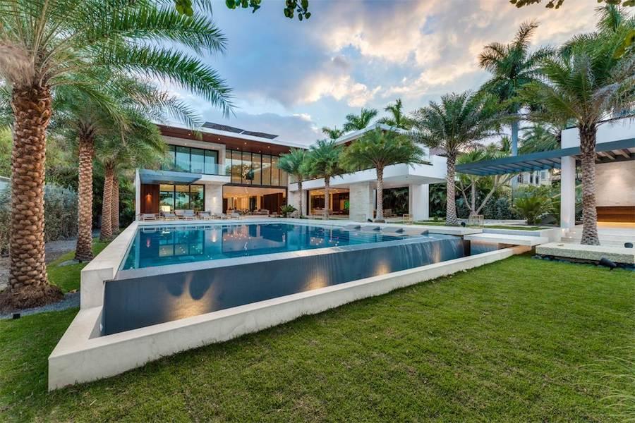 Mega mansion Miami