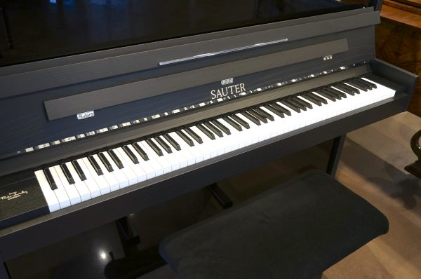 Standard keyboard layout on a modern Upright Piano