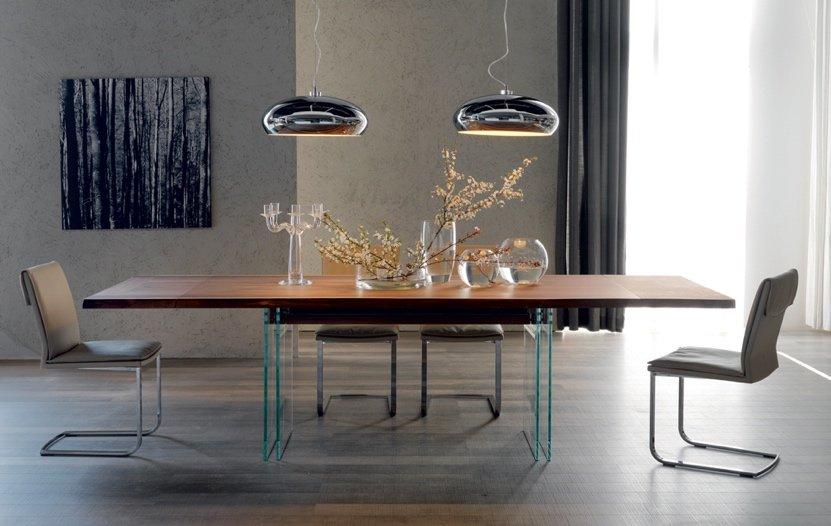designer lamps and table