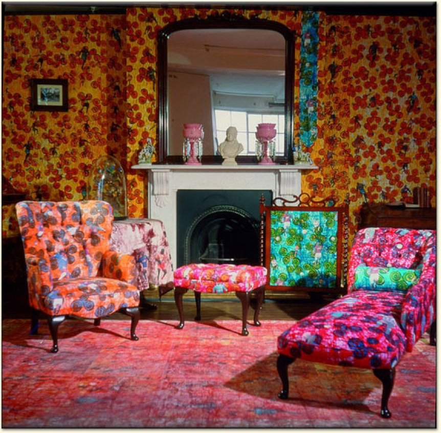 room with flowers and wallpaper