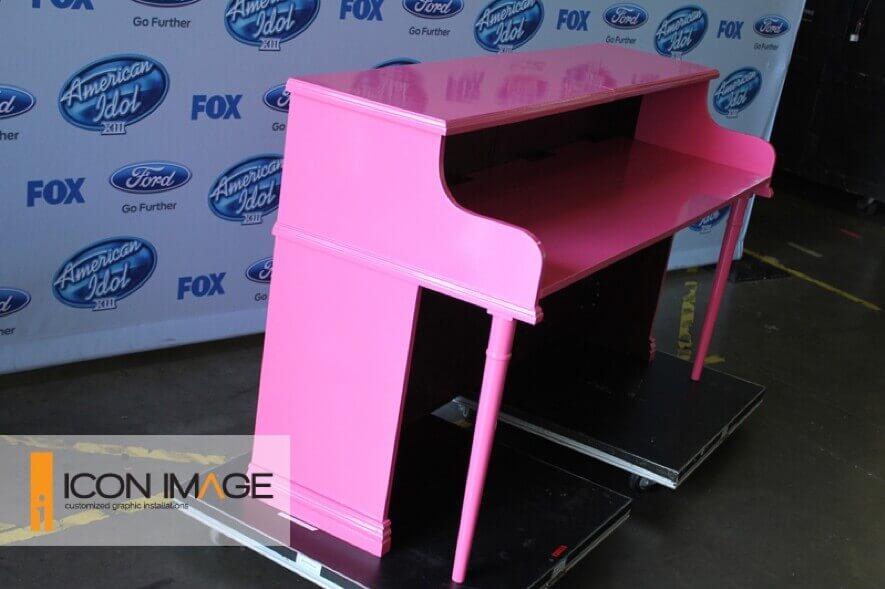 pink American idol piano