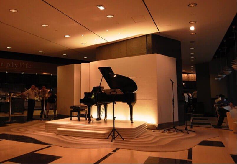 Piano in Hong Kong hotel