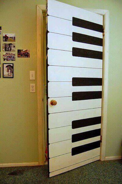 door with piano keys